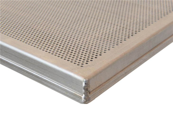 Perforated flat tray with straight edges