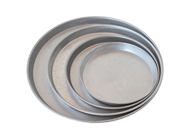Round moulds made of alusteel for cake and pizza